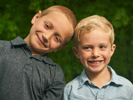 Everything You Need to Know Before Getting Professional Family Photos with Young Children