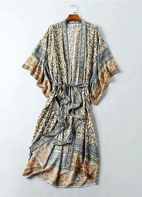 Kimono-7725147-1.jpg