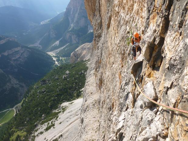 Grande voie d'escalade dans les Dolomites