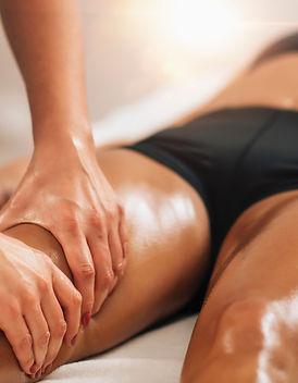 Anti cellulite female thigh massage at a