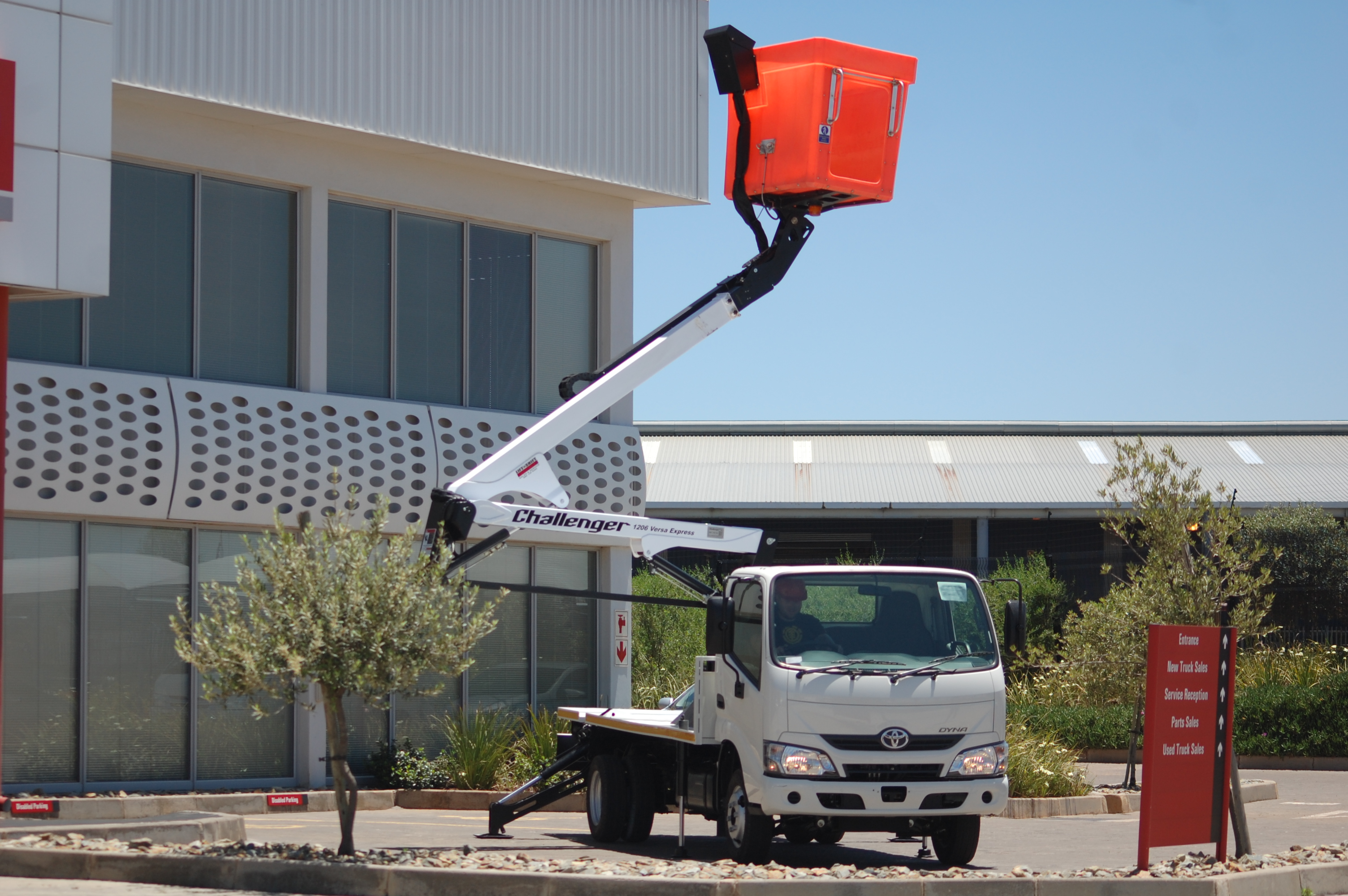 lifted aerial platform truck
