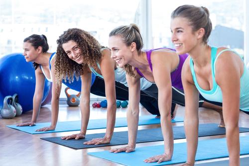 Incontinentie - Foto sportende dames - bekkenbodemoefening