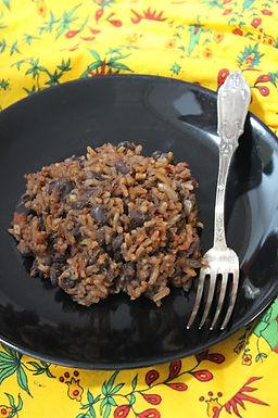 Riz et haricots noirs à la cubaine (« Moros y Cristianos »)