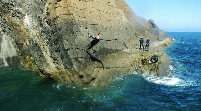 Coasteering-Asturias-14.png