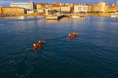 Kayak en Gijón, Asturias con la empresa de actividades de turismo activo JO&JANE