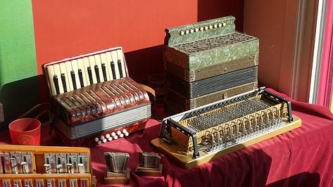 Oude accordeons - Basmechaniek