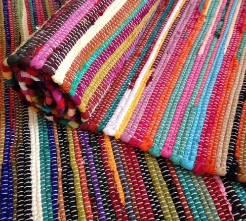 This 100 Recycled Cotton Rag Rug Is Made In India On A Fair Trade Basis Discarded Clothing Washed Dyed And Woven Into Colourful Rugs