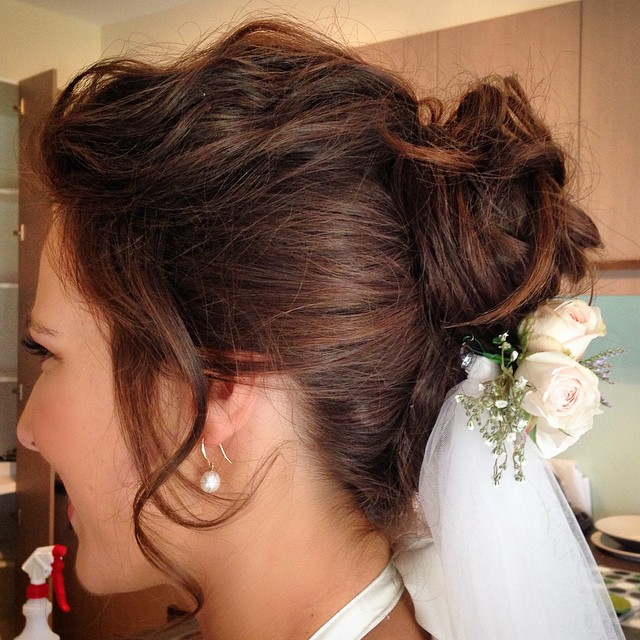 Brides hair from yesterday's wedding  #tindararesort  #weddinghair #moamawedding #messyfrenchtwist #