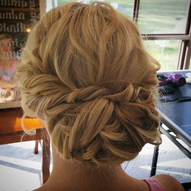 《Lauren 》_Wedding hair from a few weeks back in Moama _morrisonswinerymoama_#hair #weddingsmoama #tw