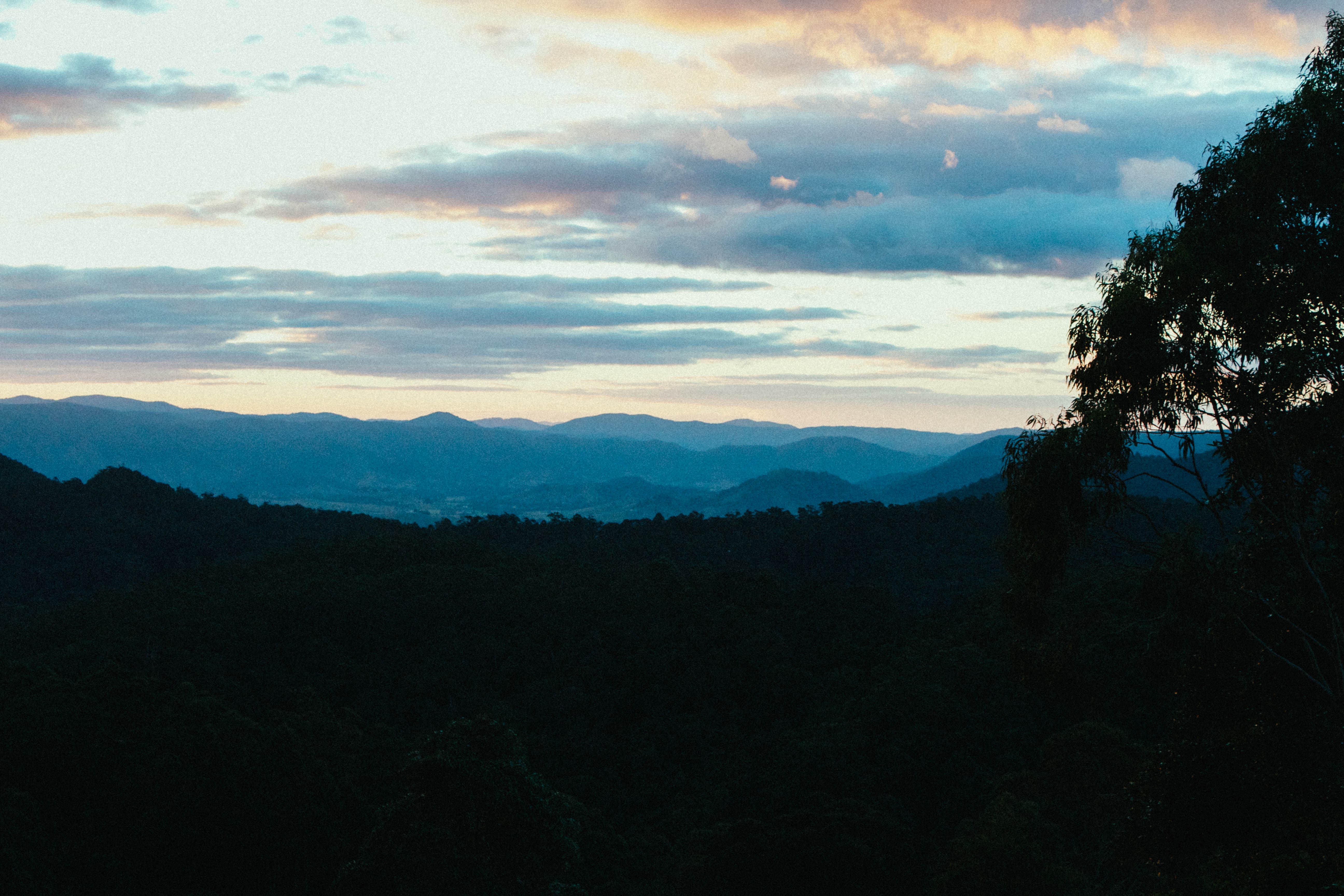 Afternoon Sunset ay Maleny 2012.jpg