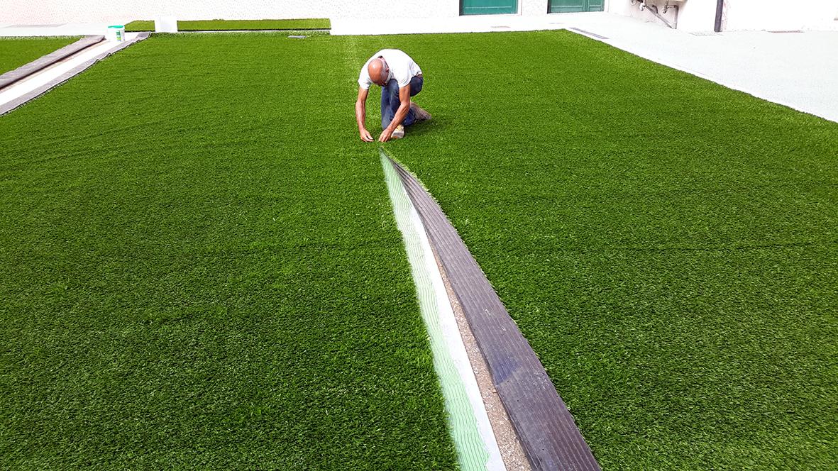 campo in erba sintetica