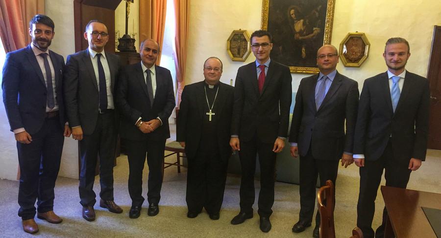 Cordial Meeting between RGF and Archbishop