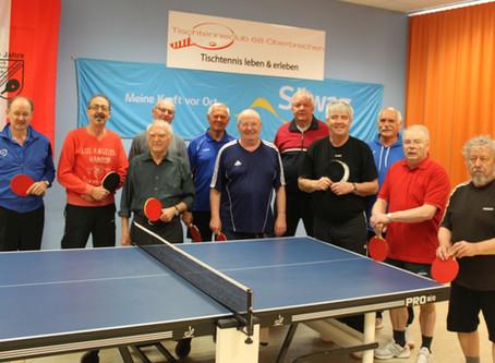 """Immer wieder freitags trainiert unsere Tischtennis """"Oldiegruppe"""""""