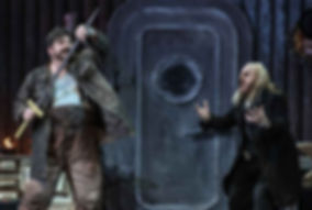 Michael Weinius und Cornel Frey in der Premiere von Richard Wagners Siegfried an der deutschen Oper am Rhein mit dem Dirigenten Axel Kober
