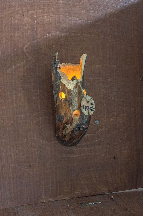 Kynttilänjalka seinämalli. Candlestick to wall. no 19
