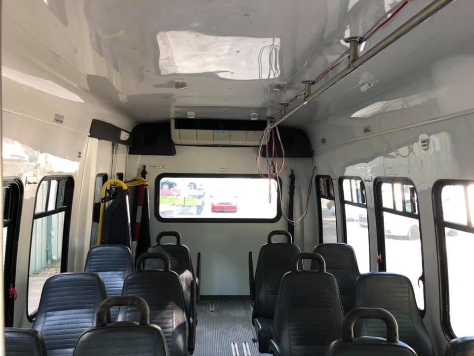 2007 FORD E-450 MINI BUS