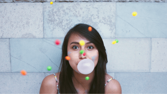 Does chewing gum contain plastic?