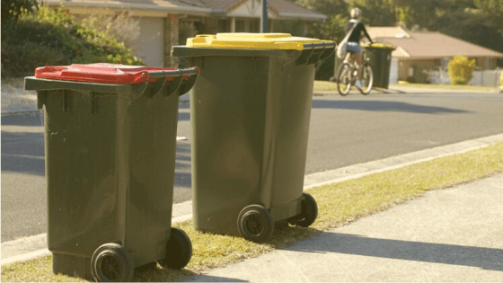 Can I throw away loose garbage in my red garbage bin?