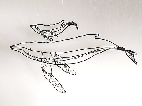 """Baleine et Baleineau"" en fil (mobile)"