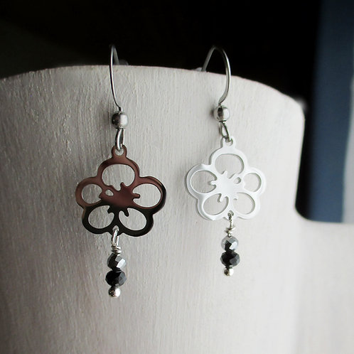 """Boucles d'oreilles """"fleurs de prunier"""" (inox), boucles d'oreilles japonais"""