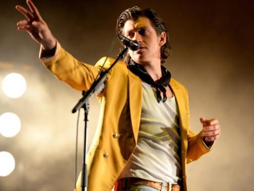 Show beneficente do Arctic Monkeys no Royal Albert Hall vai ter transmissão na Rádio X