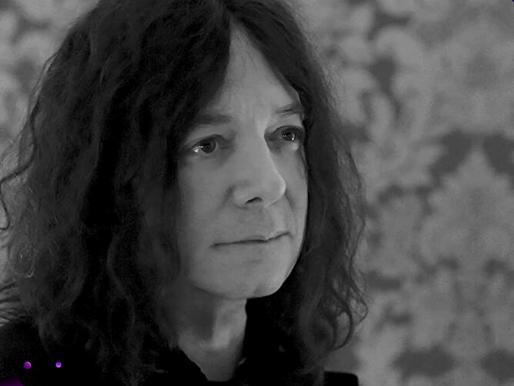 Alan Merrill, compositor de 'I love rock 'n' roll', morre hoje vítima do Coronavírus.