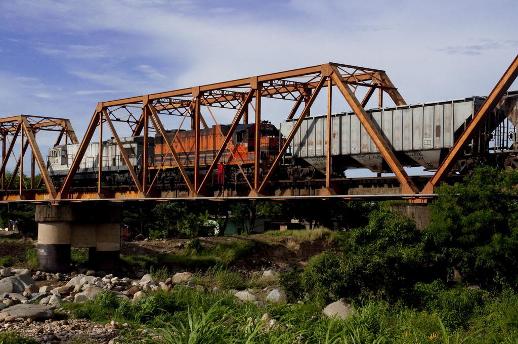 5987431009_1868a09cf2_b puente