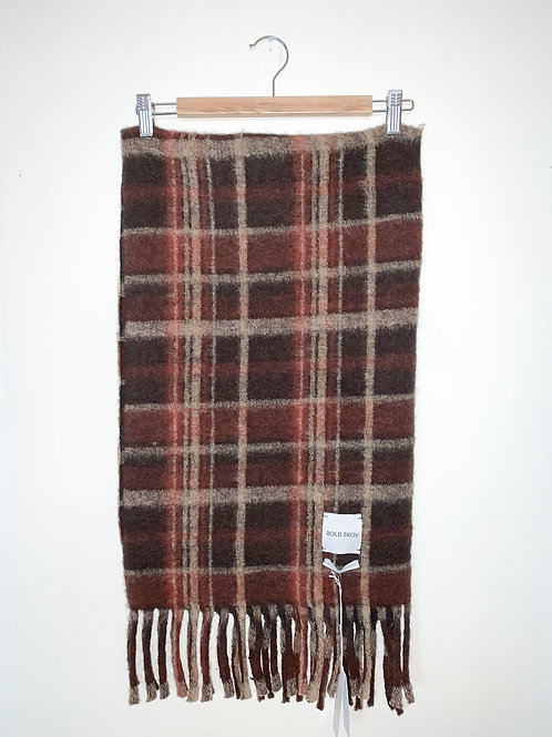 Burned-red wool scarf