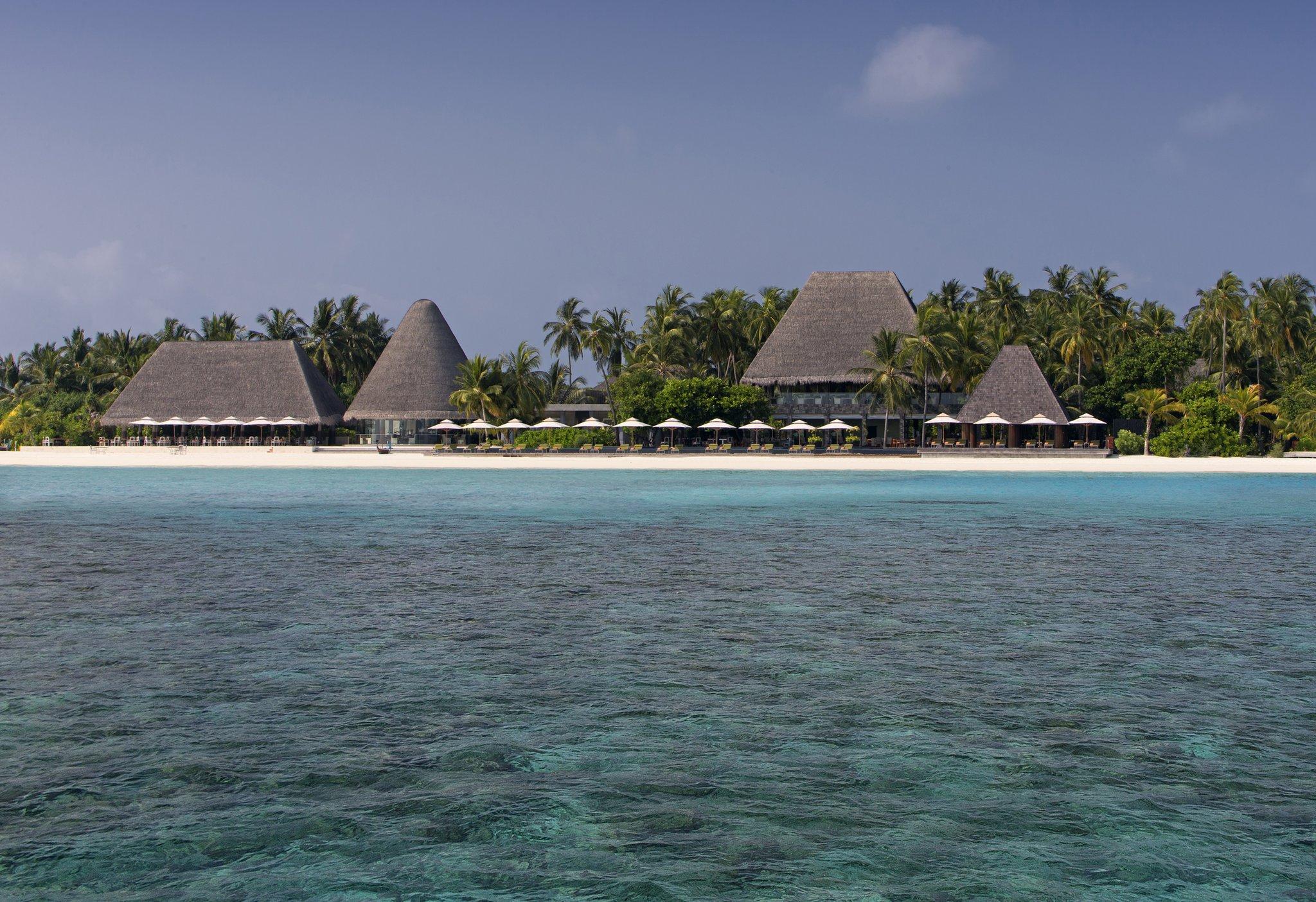 Maldives Anantara Kihavah 15 Villas Manzaru Beachfront view
