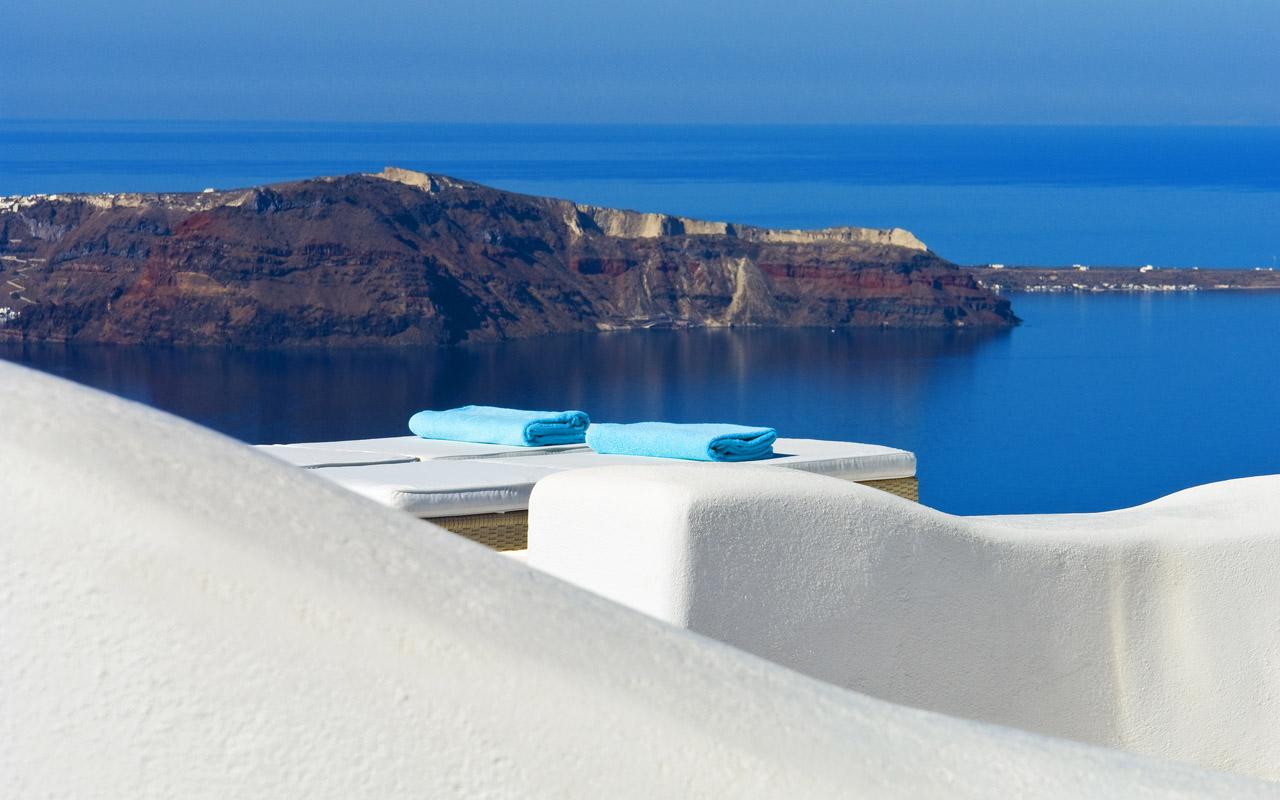 White Santorini Your Escape (3)