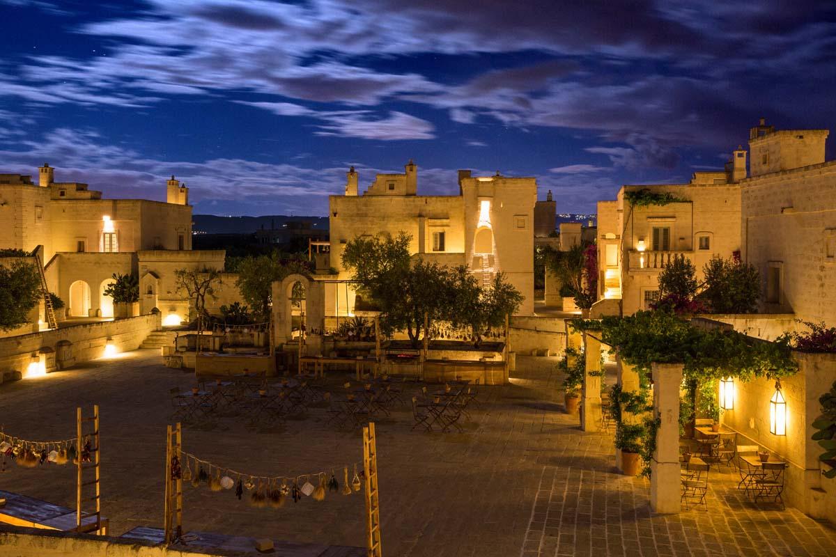 Piazza Borgo night