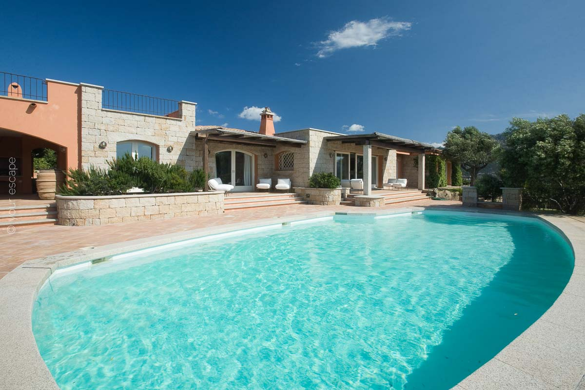Villa Panoramica Sardinia Italy yourescape-02