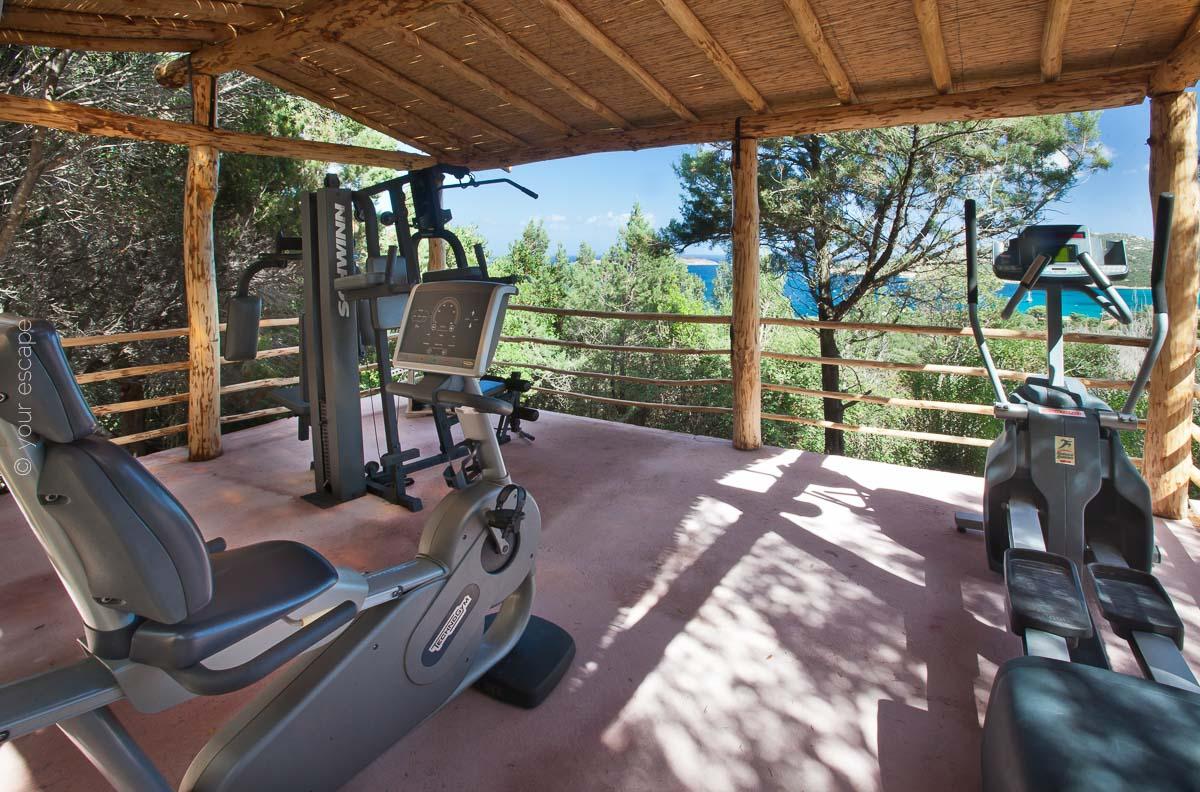 Pinky Villa Sardinia Italy yourescape-13