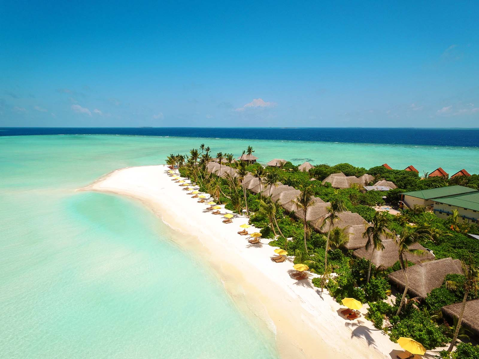 Dhigifaru Island Resort yourescape (13)