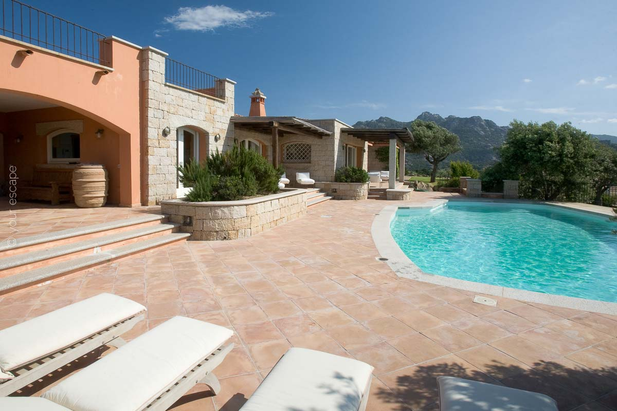 Villa Panoramica Sardinia Italy yourescape-03