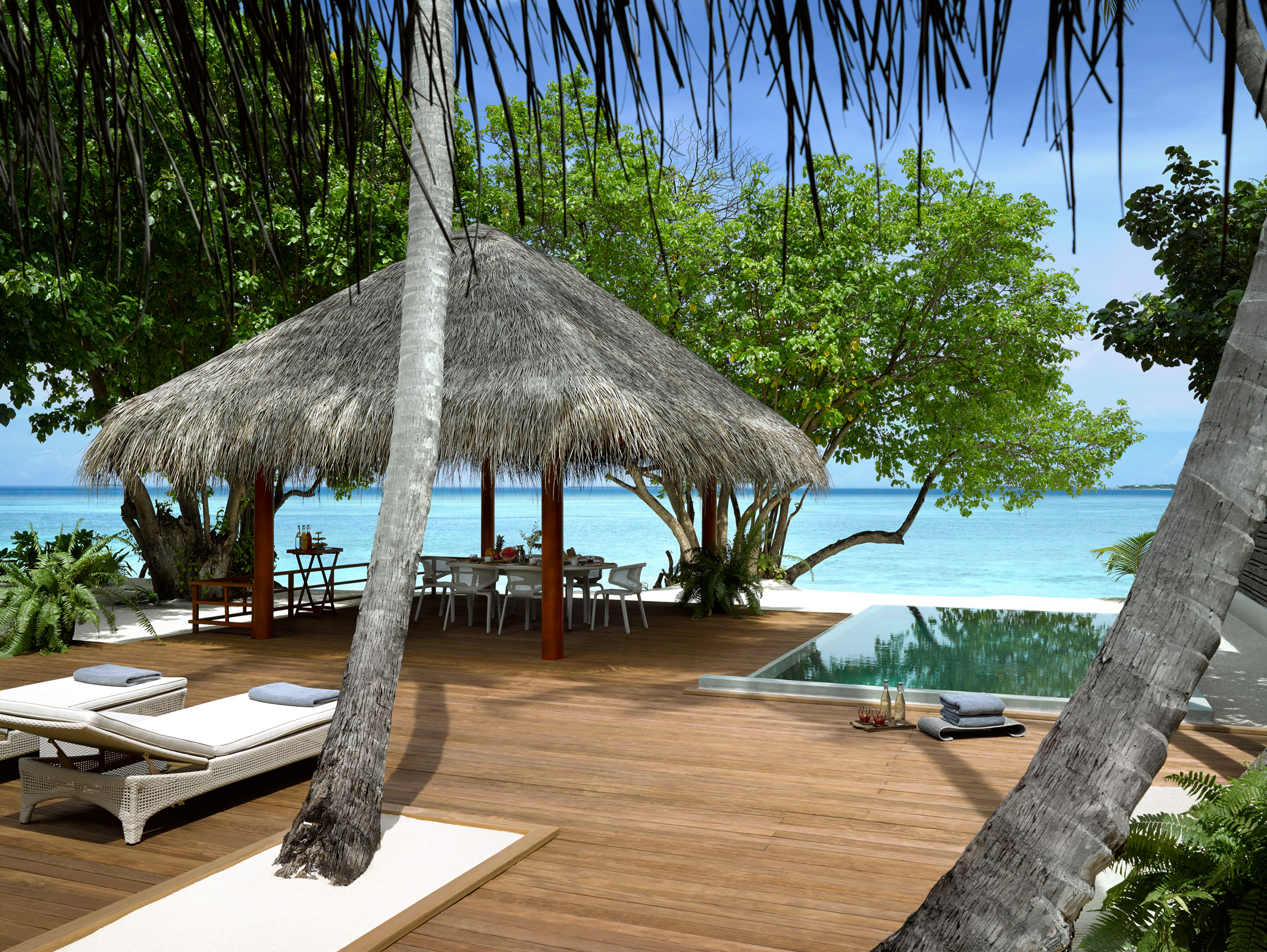 Two_bedroom_beach_villa_deck_photoLarge