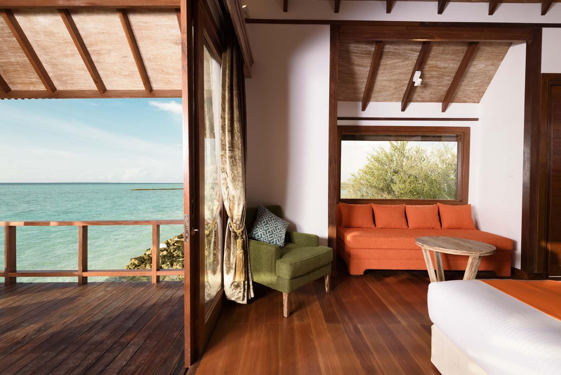 Dhigifaru Island Resort yourescape (35)