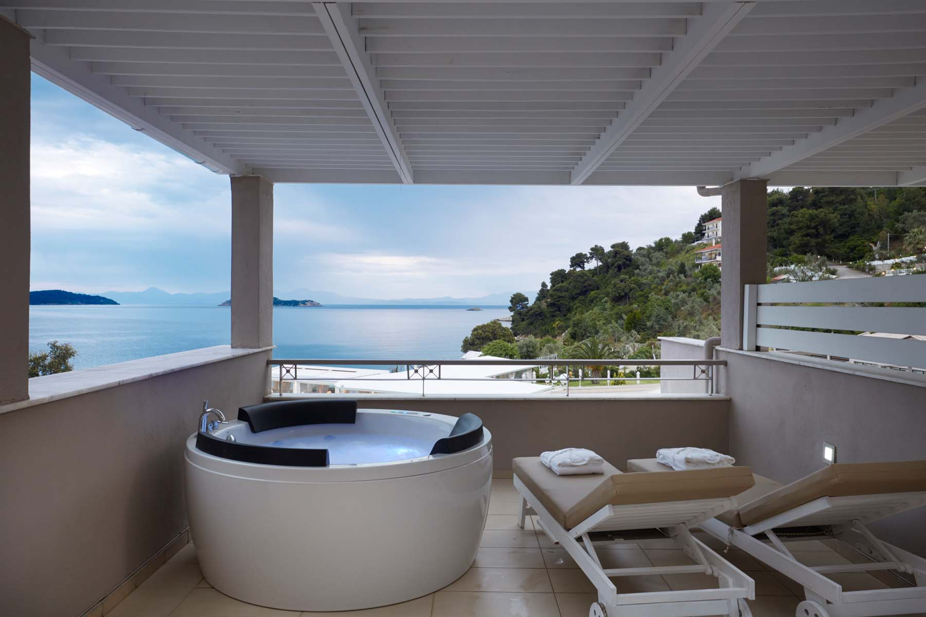 Kassandra Bay Suites Skiathos Your Escape (5)