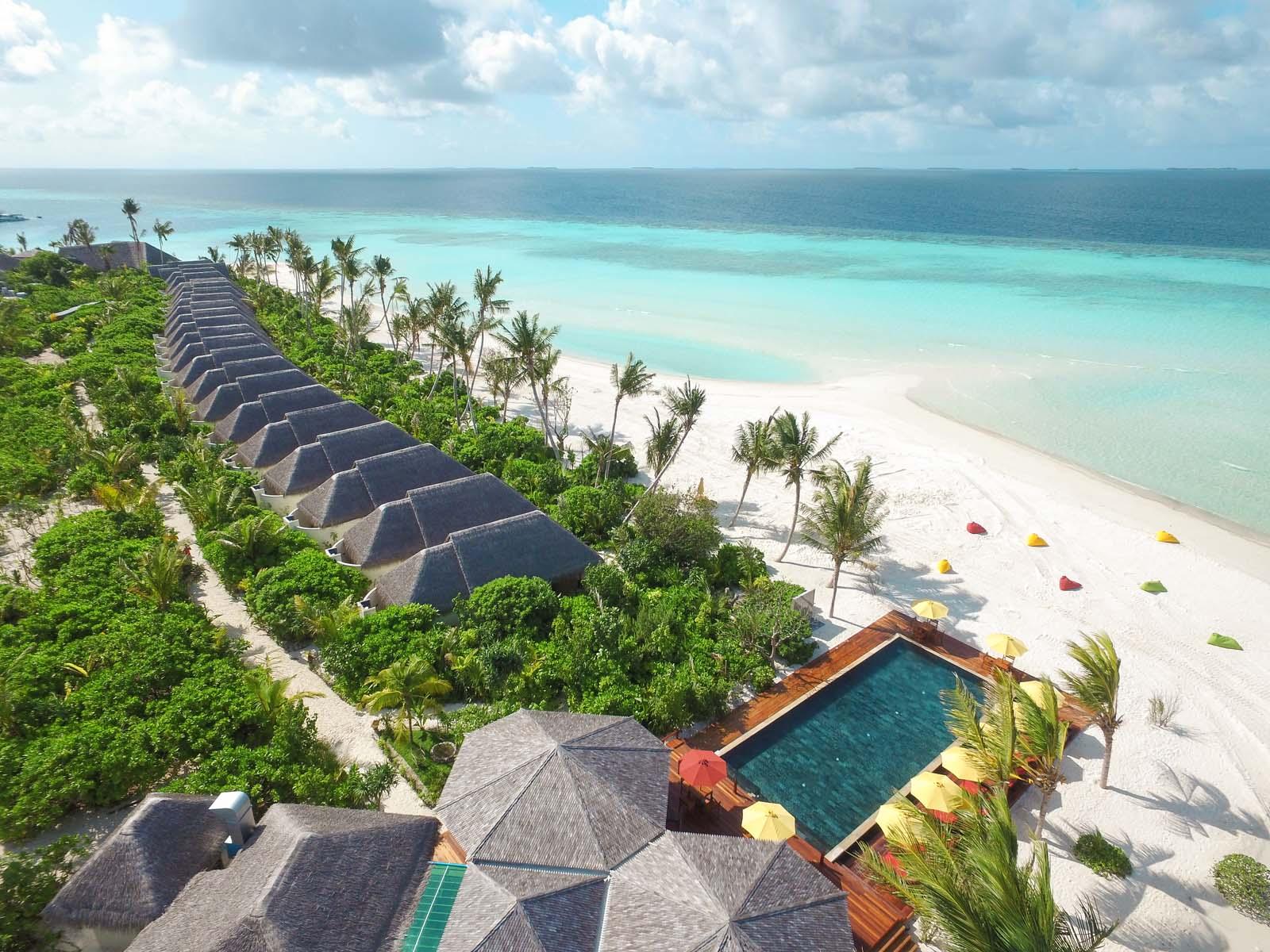 Dhigifaru Island Resort yourescape (20)