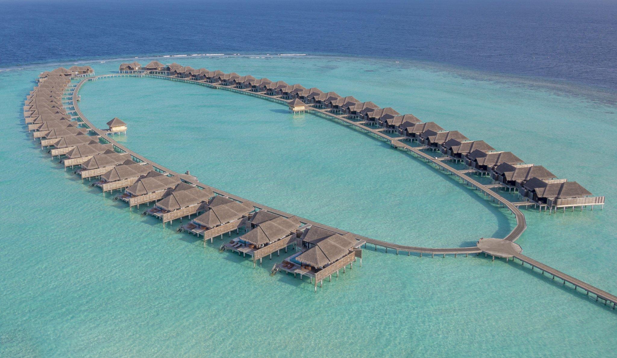 Maldives Anantara Kihavah 16 Overwater Villas daytime_aerial