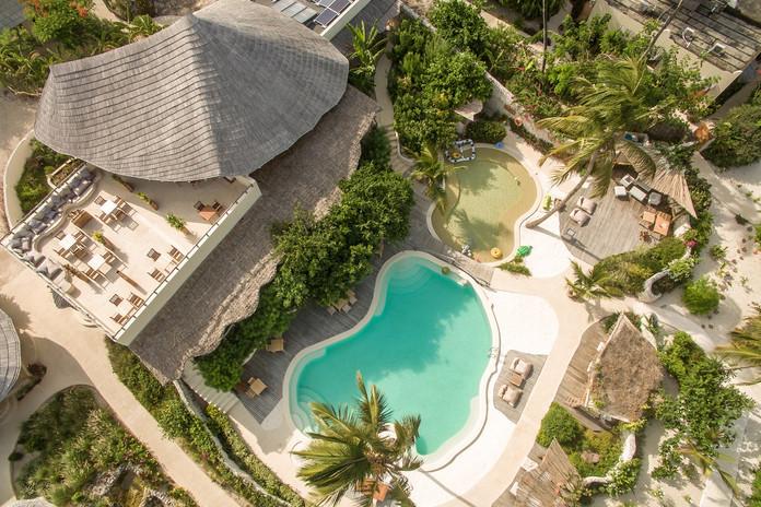 main-pool-terrace-1jpg