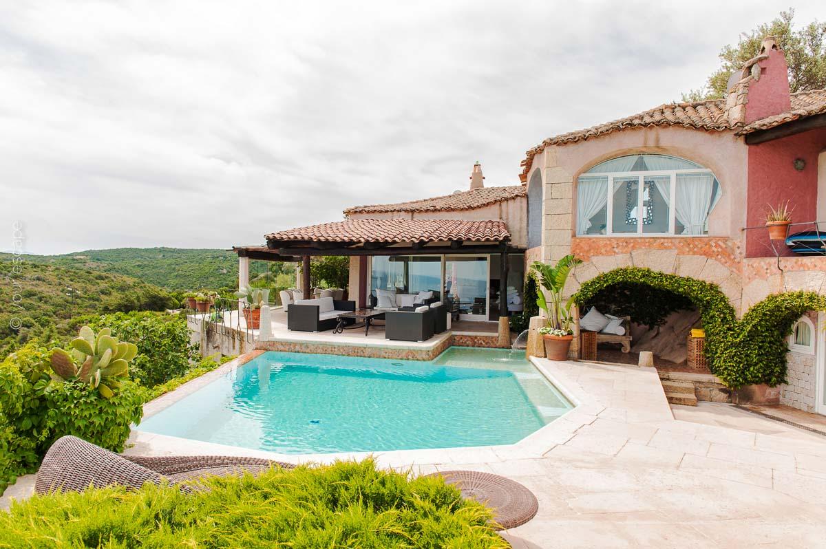 Pinky Villa Sardinia Italy yourescape-12