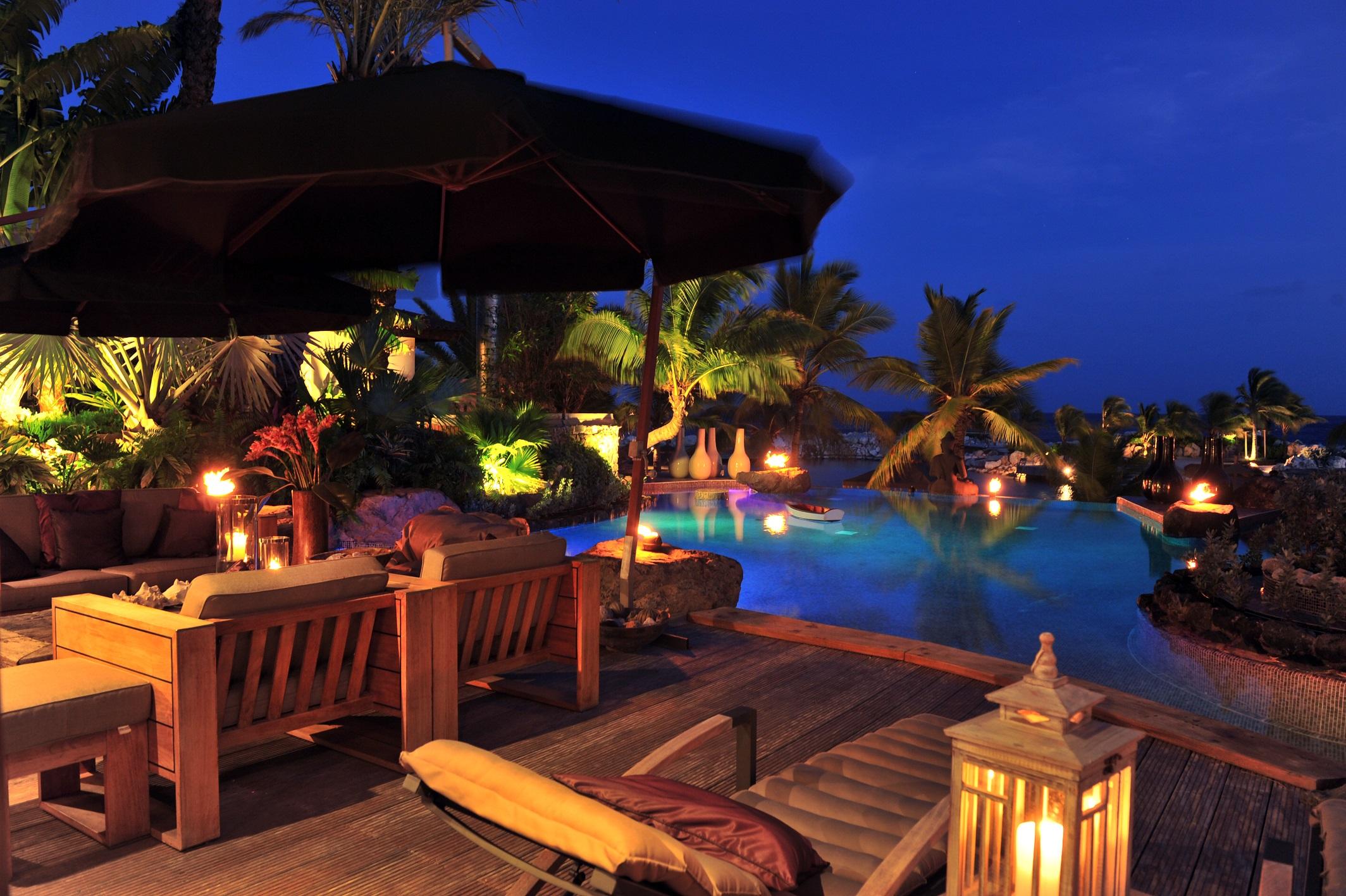 Mastervilla -Patio and private pool.jpg