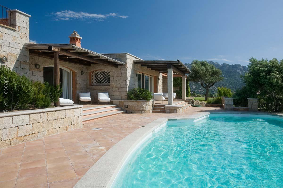 Villa Panoramica Sardinia Italy yourescape-01