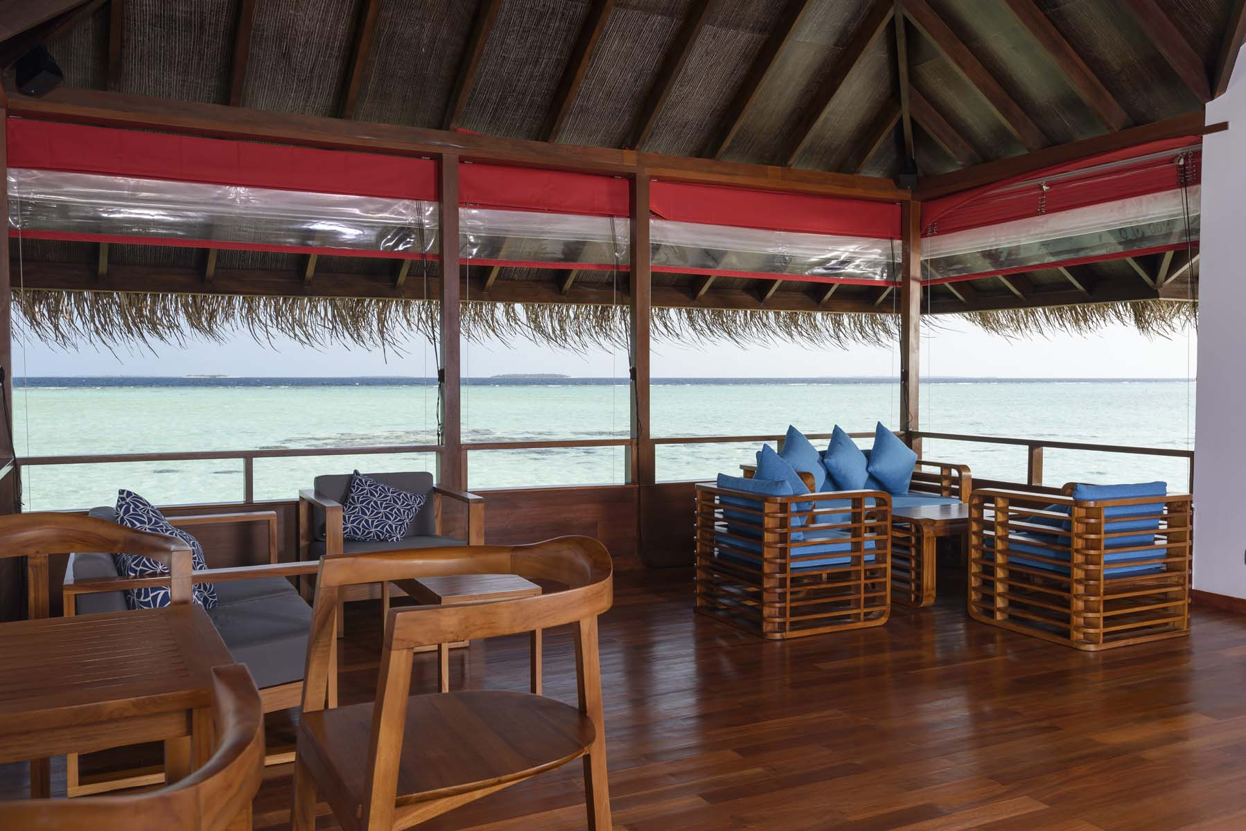 Dhigifaru Island Resort yourescape (27)