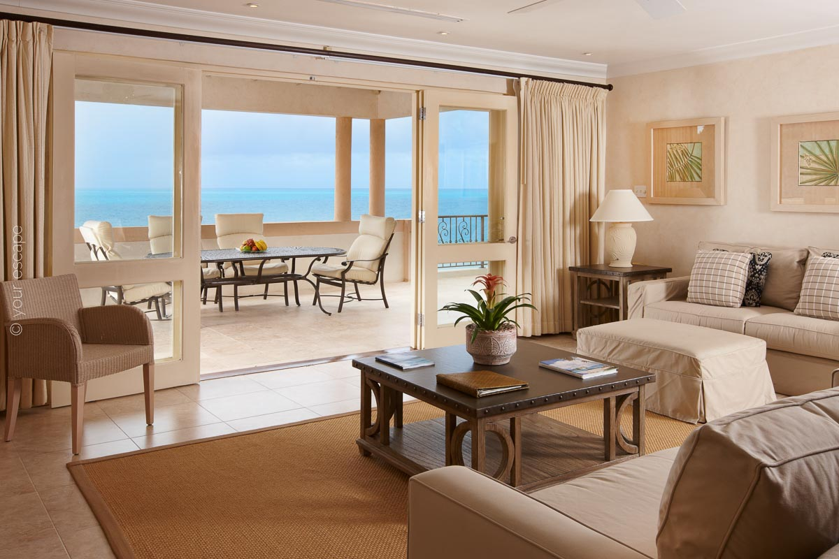 Blue Waters_Cove Penthouse Lounge-your escape