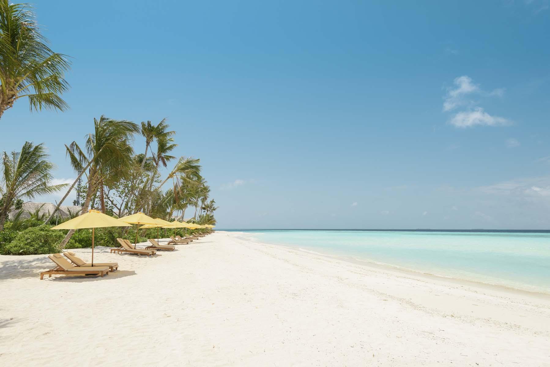 Dhigifaru Island Resort yourescape (15)
