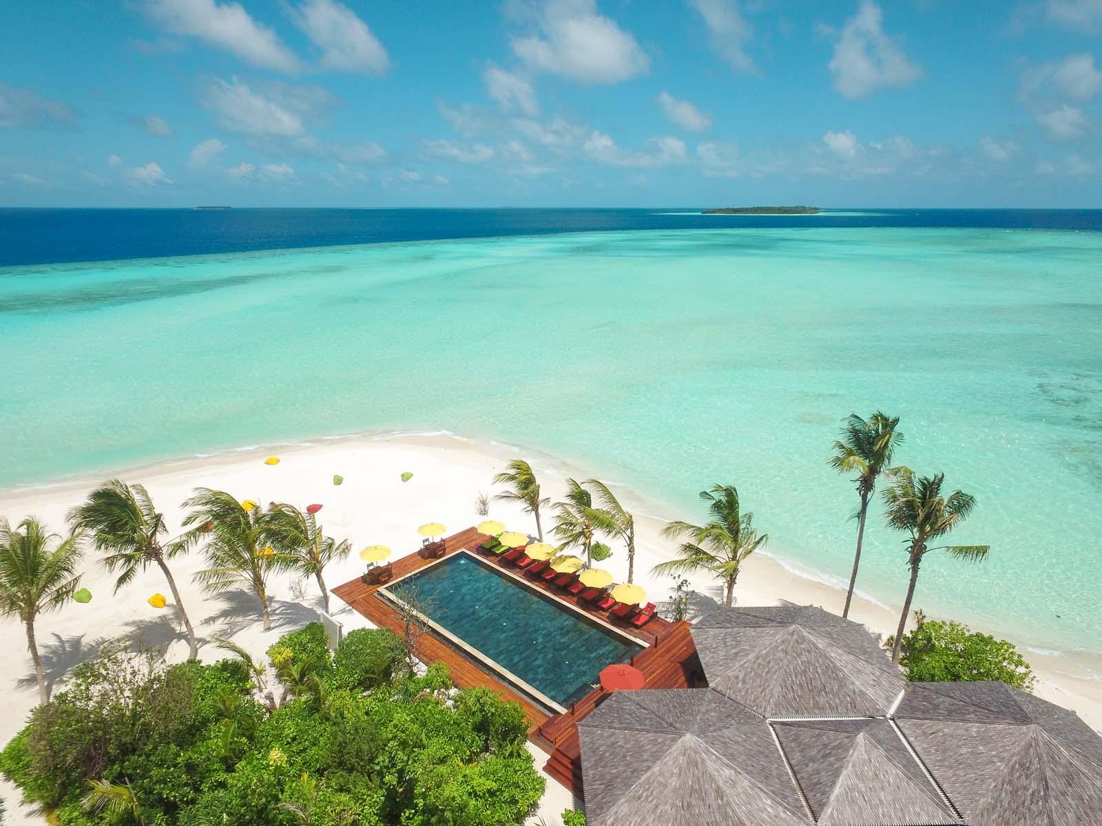Dhigifaru Island Resort yourescape (24)