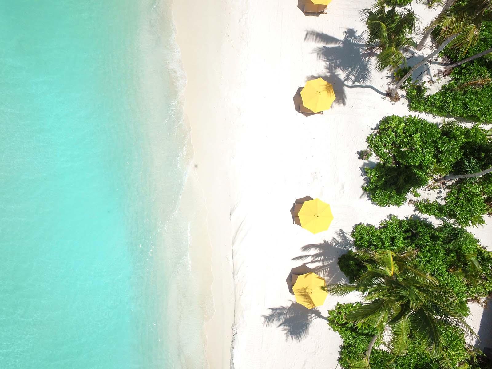 Dhigifaru Island Resort yourescape (14)