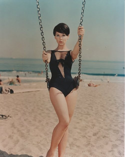 60s-beach-fashion-model-photography-Favim.com-437142.jpg